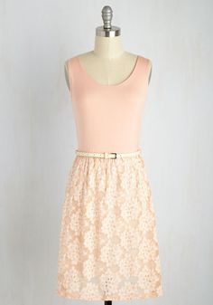 Even though you're new in town, you display a mastery of the local aesthetic with this petal pink sundress. While getting acquainted with the historical landscape in the jersey knit bodice and ivory floral lace skirt of this belted A-line, you truly begin to 'DC' things in a new light!