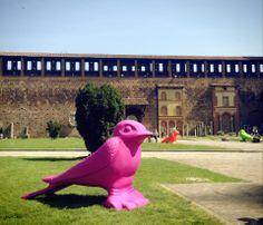 Le rondini della Cracking Art invadono Castello Sforzesco | kalapanta.it