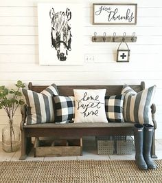 31 Insane Farmhouse Living Room Decor And Design Ideas - Articles About Decoration Decor, Farmhouse Decor Living Room, Room Design, Interior, Modern Farmhouse Living Room Decor, Foyer Decorating, Home Decor, Living Decor, Rustic House