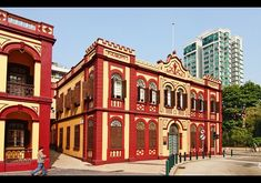 colonial architecture macau - Google Search Macau, Goa, Portugal, Colonial Exterior, Colourful Buildings, Colonial Architecture, Best Interior Design, Modern Lighting, Portuguese