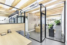 Zapata & Herrera lawyers office by Masquespacio, Valencia – Spain Cool Office Space, Office Workspace, Office Decor, Office Ideas, Glass Office, Open Office, Accent Chairs For Living Room, Formal Living Rooms, Lawyers Office