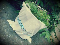 Wir von brilliant promotion® haben gespendet, Hoffnung pflanzen ist ganz leicht.  Macht mit: Tasche bepflanzen, Foto posten und etwas Geld für syrische Flüchtlingskinder spenden. #bag2peace