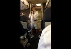 21-Jun-2014 0:55 - FLAMBOYANTE STEWARD GEEFT HILARISCHE VEILIGHEIDSINSTRUCTIES. Dat de Amerikaanse luchtvaartmaatschappij Southwest Airlines haar personeel aanmoedigt de veiligheidsinstructies voor het opstijgen zo boeiend en...