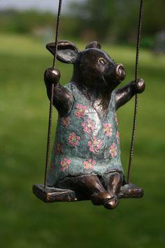 Yvonne Visser - Bronzestatuen - Animal Sculptures and Statues - Kunst Bronze Sculpture, Sculpture Art, Resin Garden Statues, Pig Art, Animal Sculptures, Yard Sculptures, This Little Piggy, Ceramic Animals, Expo