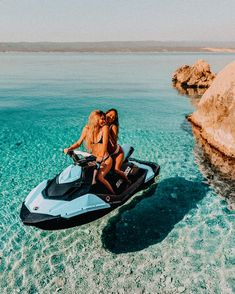 summer ideas with friends adventure * summer ideas with friends & summer ideas with friends bucket lists & summer ideas with friends adventure Photos Bff, Friend Photos, Beach Photos, Girl Beach Pictures, Best Friend Fotos, Lake Pictures, Lake Pics, Family Pictures, Cool Pictures