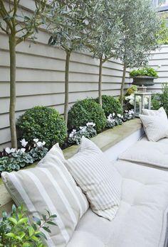 amenagement-petit-jardin-blanc: