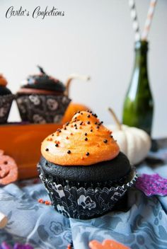 How To Make Black and Orange Velvet Halloween Cupcakes Cupcakes Recipe