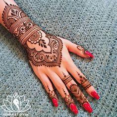 Divya Patel (@hennabydivya) | Instagram photos and videos