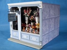Room Box, Jenny's Flower Shop (click to see inside)