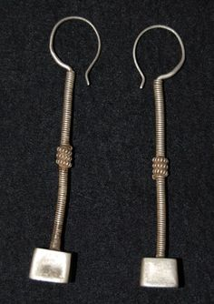 Old silver earrings from thje Rabari gypsies living in Rajasthan and Gujarat in India(L: 9cm).  Early 20° century.  Reference: A world of earrings by Anne van Cutsem, publ. Skira, pag. 143. Price: on request. For more information, please email me at didiergregoire03@gmail.com