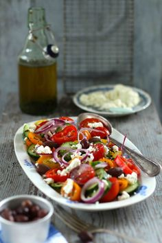 Salad Recipes Greek salad with feta cheese Quick Healthy Meals, Healthy Snacks, Healthy Recipes, Eating Healthy, Easy Smoothie Recipes, Snack Recipes, Salat Al Fajr, Feta Salat, Couscous Salat