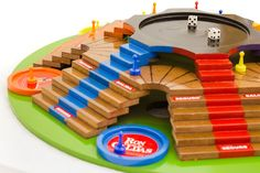Pinball, Wood Design, Board Games, Toys, Wood Shops, Homemade Board Games, Places, Gaming, Activity Toys