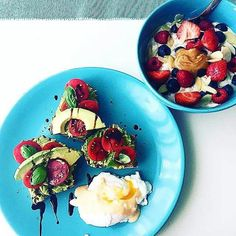 Big congratulations @saritupenny the winner of our 3rd #FamilySuperFood prize draw! I love your take on my  beautiful colourful avocado on rye - loadsa love has been put into this gorgeous recipe x Guys You can try these yourself on page 40 of the new book and for this weeks competition head to  jamieoliver.com/Family 👏👏👏 JOx #regram