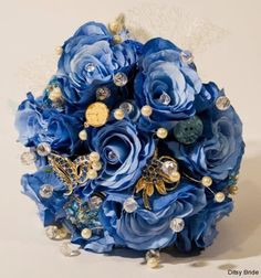 Blue Flower & Brooch #Bouquet. why not combine the best of both worlds? #wedding