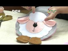 1 million+ Stunning Free Images to Use Anywhere Eid Crafts, Easter Crafts, Crafts For Kids, Sewing Toys, Sewing Crafts, Sewing Projects, Farm Cartoon, Animal Sewing Patterns, Felted Wool Crafts
