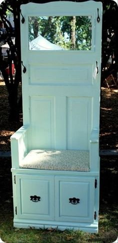 a nice seat and hat rack out of an old door Teal Hall Tree Stand with Mirror Custom Hall Tree Furniture Projects, Furniture Makeover, Home Projects, Diy Furniture, Furniture Plans, System Furniture, Blue Furniture, Furniture Chairs, Garden Furniture