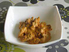 Pollo con salsa de nata y pimentón http://recetasparacocinillas.blogspot.com/2014/10/pollo-con-salsa-de-nata-y-pimenton.html