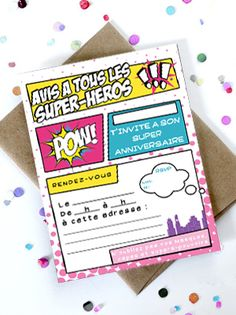 Parce que les filles ont elles-aussi plein de super-pouvoirs, Momes a créé cette super-jolie carte d'invitation à un anniversaire de supers-héroïnes guirly ! Il y a deux cartes par page, imprimez-en autant que de mini Wonderwomen et Superman invités à la fête