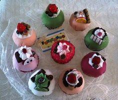 Fuxicando Idéias: Confeitaria Fuxicando Idéias - Cupcakes e doces em feltro