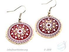 Earrings: Turkish designed, drop-style Dimension: cm diameter Weight: g Shape: Round medallion Color: Red background, white & gold pattern, indented gold rim Materials: Hand painted copper Turkish Design, Gold Pattern, Red Background, Copper Jewelry, Crochet Earrings, Arts And Crafts, Jewelry Design, White Gold, Hand Painted