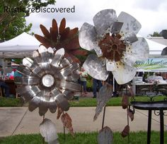 Recycled Metal Flowers want these for my backyard for my garden