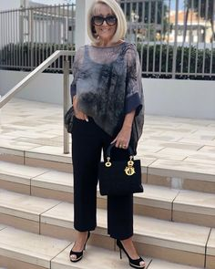 It's no secret how much we love styles. 💫 This Blair Oversized Top is worn with our all time favourite 'Alex' pant and is… Over 60 Fashion, Over 50 Womens Fashion, Fashion Over 50, Fashion Looks, Fashion For Petite Women, Older Women Fashion, Stylish Outfits, Fall Outfits, Fashion Outfits