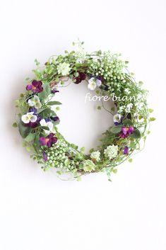 ふわふわナチュラル グリーンリース|フラワー・リース|fiore bianca|ハンドメイド通販・販売のCreema