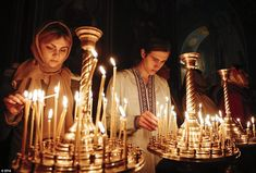 Ukrainians light candles during an Orthodox Easter mass in the Mikhailovsky Cathedral in Kiev, Ukraine, on April Roman Pilipey, European Pressphoto Agency Orthodox Easter, Church Candles, Christian World, Christ Is Risen, Easter Religious, Candle In The Wind, Orthodox Christianity, London Photos, Roman Catholic