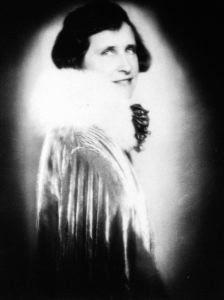 ritratto anni 20 di Ghitta Carell