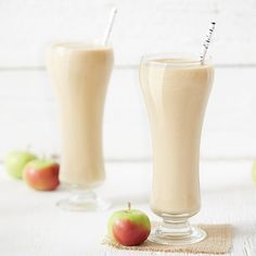 Caramel Apple Smoothie Apple Smoothie Recipes, Apple Smoothies, Breakfast Smoothies, Healthy Smoothies, Drink Recipes, Healthy Snacks, Healthy Eating, Healthy Recipes, Yummy Drinks