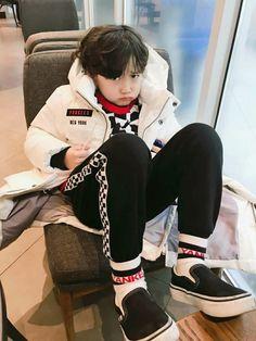 """02 Sequel from 'Friendzone - Chensung' """"Udah balik l… # Cerita pendek # amreading # books # wattpad Cute Asian Babies, Korean Babies, Asian Kids, Cute Babies, Cute Boys, Kids Boys, Baby Kids, Baby Boy, Cute Little Baby"""