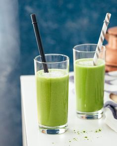 Coconut vanilla matcha smoothie