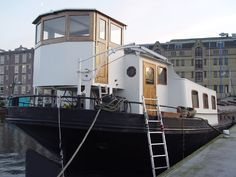Old Center Apartment Rental: A Houseboat With Lots Of Ambiance. Comfort And Serenity In An Exciting City. | HomeAway