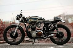 Welcome to Cafe Racer Design! We focus solely on showcasing the design of Cafe Racer Motorcycles. Cafe Racer is a term used for a type of motorcycle and the cyclists who ride them! British Motorcycles, Triumph Motorcycles, Vintage Motorcycles, Triumph 650, Custom Motorcycles, Vintage Bikes, Vintage Cars, Vintage Racing, Scooters