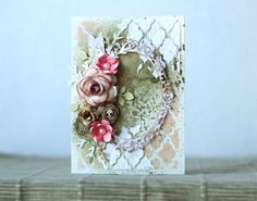 Pastellipäivä A mixed media christmas card with many flowers