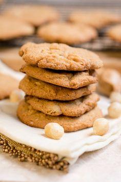 Paleo White Chocolate Macadamia Nut Cookies - Delicious Meets Healthy