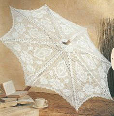 Lacey Crochet Umbrella - perfect for wedding/briday shower. Crochet Crafts, Crochet Doilies, Crochet Lace, Crochet Projects, Filet Crochet, Crochet Stitches, Crochet Patterns, Crochet Decoration, Linens And Lace