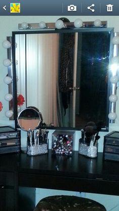 Makeup vanity DIY organize