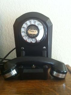 Vintage 1935 Automatic Electric #50.  I own quite a few of these.