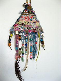 Transcendental Amulet par AllThingsPretty sur Etsy, $245,00