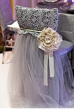 change the colors great idea.use tulle and a crocheted piece and voila ! festive.