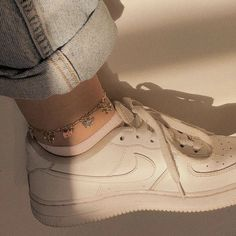 butterflt effect anklet accessories aesthetic butterfly effect anklet Classy Aesthetic, Aesthetic Shoes, Aesthetic Vintage, Pink Aesthetic, Aesthetic Clothes, Cute Jewelry, Jewelry Accessories, Vintage Accessories, Trendy Jewelry