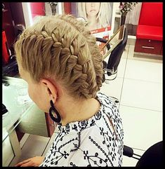 short hair styles for men and women models Short Hair Model, Hair Models, Modern Hairstyles, Female Models, Short Hair Styles, Dreadlocks, Beauty, Women, Fashion