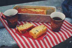 Appelsinkage med ekstra chokolade   Nem og lækker opskrift Cornbread, French Toast, Muffin, Food And Drink, Sweets, Snacks, Cookies, Breakfast, Ethnic Recipes