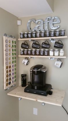 great DIY coffee bar ideas for your cozy home / cafeCoffee bar station. spend hundreds on such a table if you can make your own! coffebar coffeestation coffeeshop Home Coffee Stations Corner Coffee Bar Station, Coffee Station Kitchen, Coffee Bars In Kitchen, Coffee Bar Home, Home Coffee Stations, House Coffee, Kitchen Small, Small Apartment Storage, Small Apartment Decorating