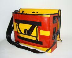 Material: Feuerwehrschlauch, Werbebanner, Sicherheitsgurt