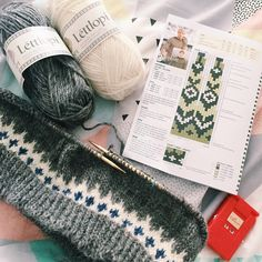 girlswear's Riddari (Icelandic souvenir) for Elsie Fair Isle Knitting, Hand Knitting, Knitting Designs, Knitting Patterns Free, Crochet Chart, Knit Crochet, Baby Sweater Patterns, Big Knit Blanket, Icelandic Sweaters