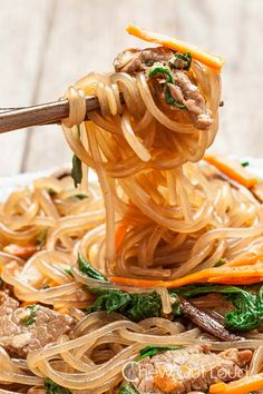 Jap Chae - I usually add egg but omit the beef when using it as a side dish for bulgogi food recipes korean stir fry Jap Chae (Korean Stir Fry Noodles - GF) - Chew Out Loud Clear Noodles, Stir Fry Noodles, Soba Noodles, Korean Noodles, Sesame Noodles, Jap Chae Recipe, Asian Recipes, Healthy Recipes, Ethnic Recipes