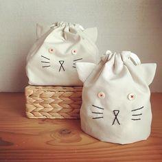 new ✴︎ ねこ巾着 set お目めぱっちりバージョン #kitten#minne#入園入学グッズ#コップ袋#お弁当袋#ねこ Handmade Bags, Handmade Crafts, Diy Crafts, Kids Bags, Handicraft, Cross Stitch Embroidery, Pouch, Sewing, Creative