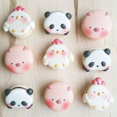 Melly Eats World creates adorable animal macarons that are too cute to eat. But it's hard to turn down a macaron, even when it looks like a panda. Cute Desserts, Delicious Desserts, Yummy Food, Macaron Cookies, Macaron Recipe, Cute Baking, Kawaii Dessert, French Macaroons, Cute Cookies